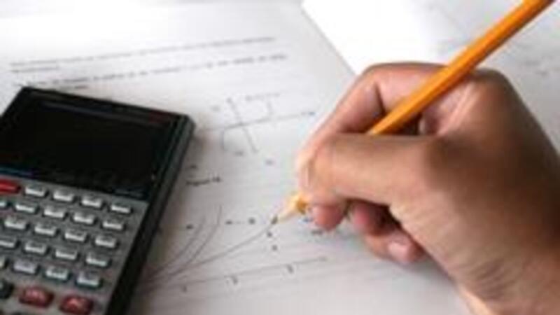 Revise el caso práctico para presentar declaraciones de pagos provisionales y mensuales definitivos
