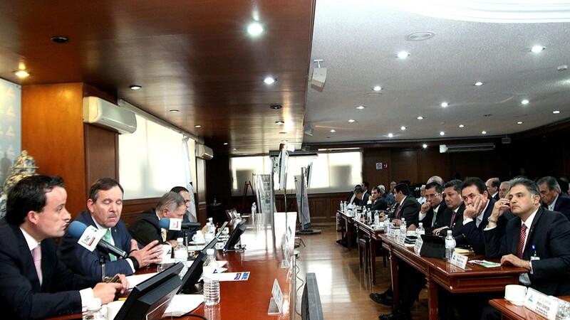 El Director General del IMSS, Mikel Arriola, Durante un encuentro realizado en instalaciones de la CONCANACO