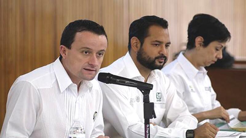 El director del IMSS, Mikel Arriola