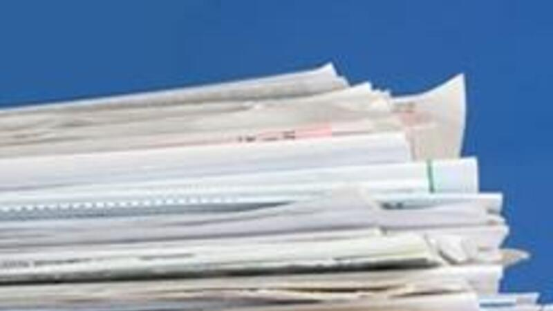 Los documentos para desvirtuar omisiones o irregularidades pueden presentarse en el domicilio de la autoridad o en el del contribuyente