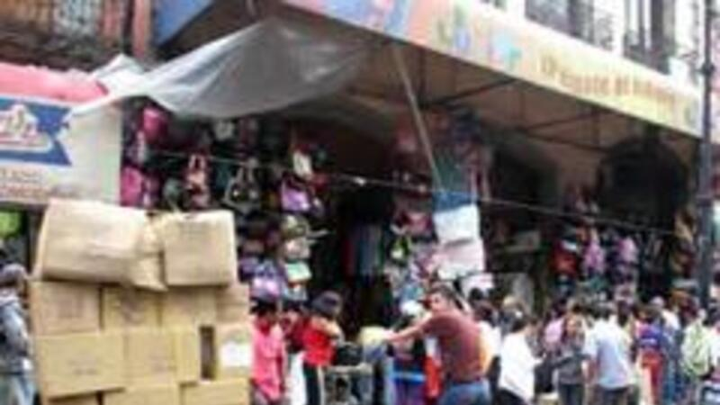 Comercio informal perjudica economía de las pequeñas empresas