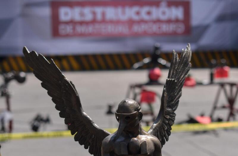 Replicas de esculturas del artista mexicano Jorge Marín. (Foto: Cuartoscuro)