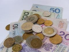 Para la Zona A el salario pasó de 64.76 pesos diarios a 67.28 pesos, y de 61.38 pesos diarios a 63.77 para la Zona B