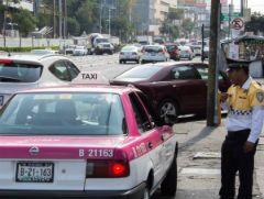 Elementos de tránsito de la Secretaria de Seguridad Pública (SSP) vigilan las principales vialidades. Foto: Cuartoscuro.