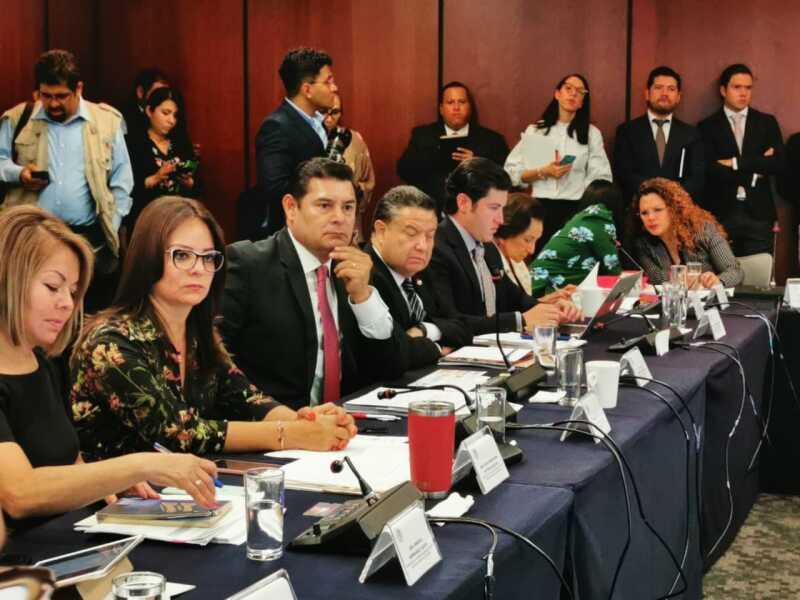En la discusión, las y los senadores coincidieron en la importancia de combatir a las empresas facturadoras de operaciones simuladas y a las que deducen operaciones simuladas.
