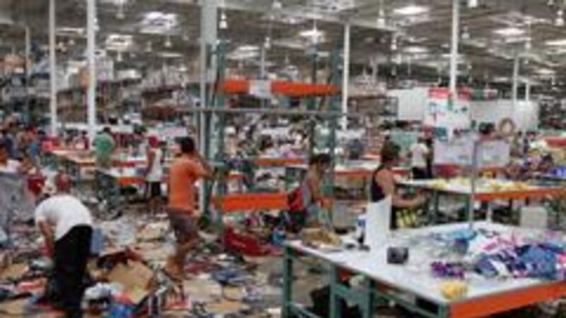 Centro comerciales afectados por el paso de Odile (Foto: Notimex)