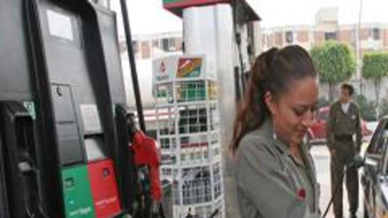 profeco recomienda conocer el costo de llenar el tanque de gasolina