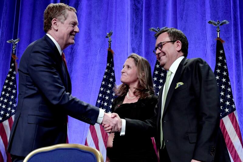El representante comercial de EU, Robert Lighthizer, el secretario de Economía de México, Ildefonso Guajardo, y la ministra canadiense de Relaciones Exteriores, Chrystia Freeland