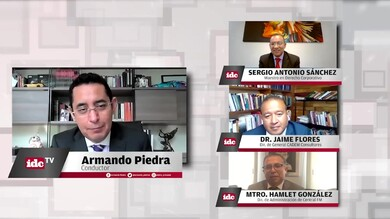 con el Mtro. Sergio Antonio Sánchez, Dr. Jaime Flores y Mtro. Hamlet González