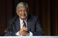 """Andrés Manuel López Obrador, candidato a la presidencia por la coalición """"Juntos Haremos Historia"""" y virtual ganador de la contienda electoral."""