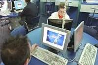 Cibercafés: centros de descarga ilegal de música
