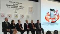 Presentación de las cinco nuevas aplicaciones del gobierno del Distrito Federal (Foto: GDF)