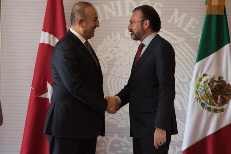 El ministro de Asuntos Exteriores de Turquía, Mevlüt Cavusoglu y el El titular de la SRE, Luis Videgaray (Foto: CuartoOscuro)