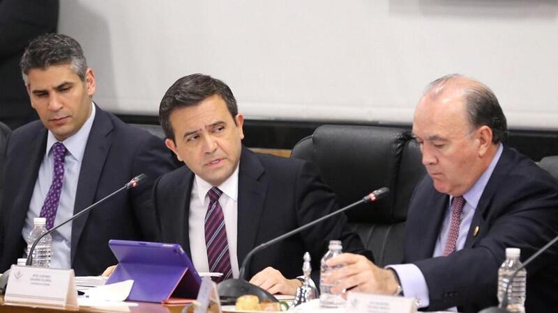 El titular de la Secretaría de Economía, Ildefonso Guajardo Villarreal compareció ante los integrantes de la Comisión de Economía de la Cámara de Diputados (Foto: Notimex)