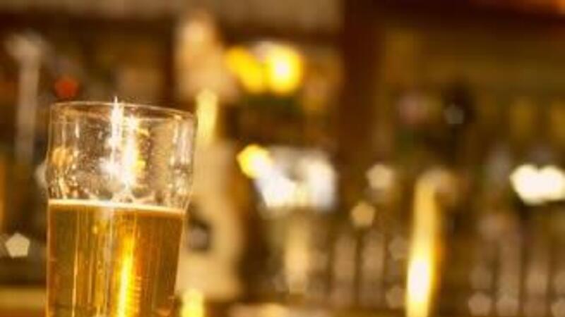 Pese a que en México existe un avance significativo en las medidas que buscan inhibir el consumo de alcohol, el gasto destinado en prevención y atención contra las adicciones es insuficiente.