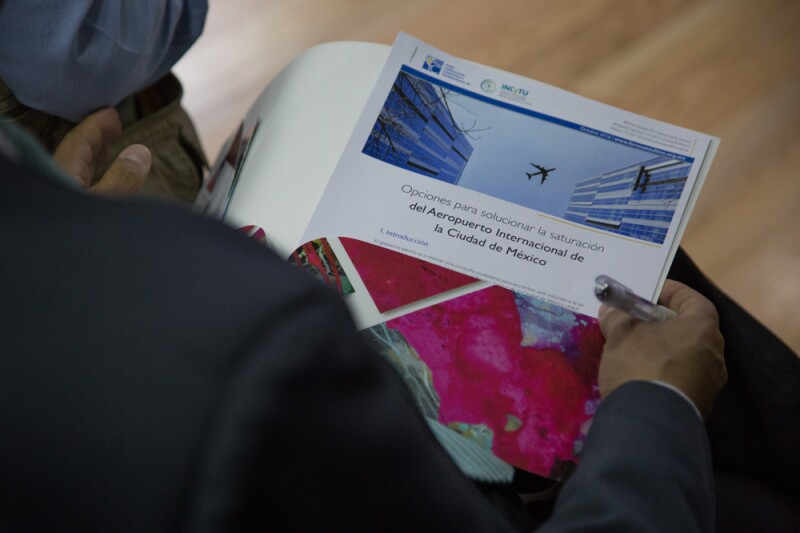 Los mexicanos puedan participar en la Consulta Nacional sobre el Nuevo Aeropuerto Internacional de México, que se llevará a cabo los días 25, 26, 27 y 28 de octubre en todo el país.