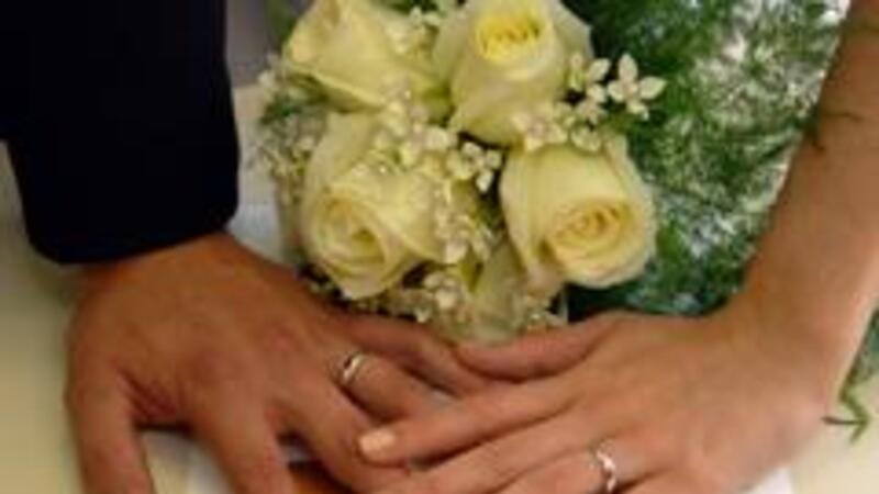 Para la realización del trámite debe de asistir la pareja y el trabajador afiliado