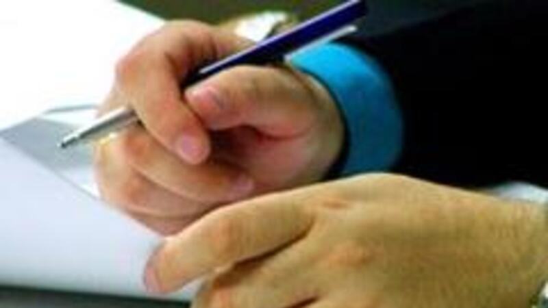 El contrato laboral es una obligación prevista en el art. 24 de la LFT