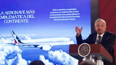 Andrés Manuel López Obrador, presidente de México, durante la conferencia diaria matutina. En la imagen hablando del Avión Presidencial y su venta.