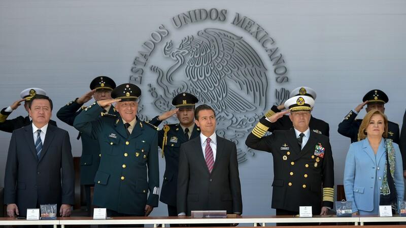 El presidente Enrique Peña Nieto durante la celebración de los 70 Años del Banco Nacional del Ejército, Fuerza Aérea y Armada (Banjército)
