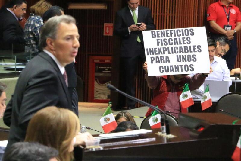 El titular de la SHCP al comparecer ante el Pleno de la Cámara de Diputados (Foto: Cuarto Oscuro)
