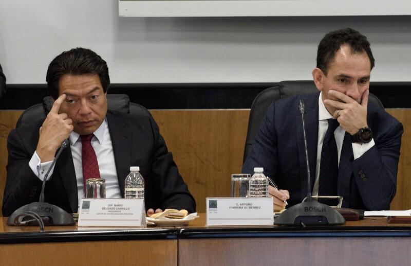 Arturo Herrera Gutiérrez, titular de la Secretaría de Hacienda y Crédito Publico (SHCP) asistió a la reunión y comparecencia ante la comisión Comisión de Hacienda y Crédito Público, acompañado de Mario Delgado, coordinador de Morena.