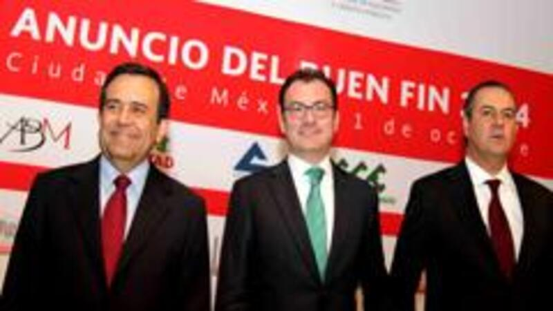 Los secretarios de Economía y Hacienda; y el presidente del CCE durante la presentación de el Buen Fin 2014 (Foto: Notimex)
