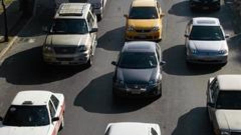 Autos con engomado rojo podrán verificarse hasta el 9 de noviembre