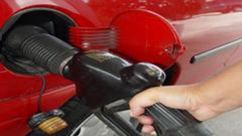 Aumentos mensuales a la gasolina
